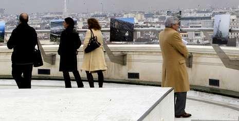 La muestra está en la terraza del Círculo de Bellas Artes de Madrid y contiene fotos de los archivos de Endesa y La Voz. benito ordóñez