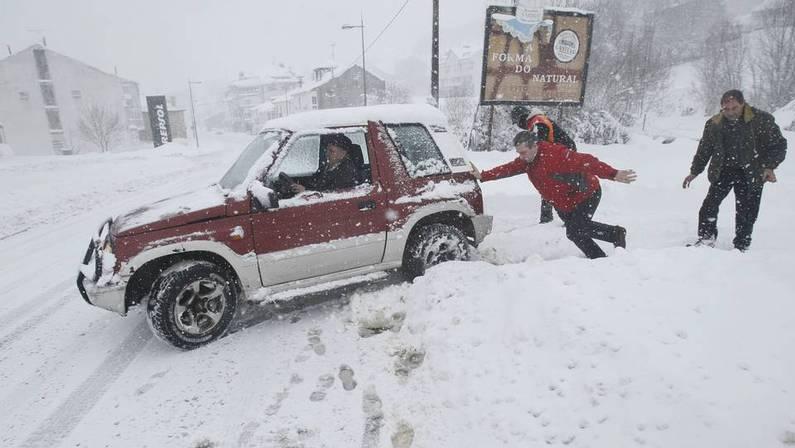 La nieve sigue causando problemas en carreteras de lugo - El tiempo en parga lugo ...