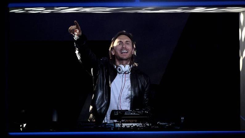 David Guetta, durante su actuaci�n Alberto Mart�n | EFE