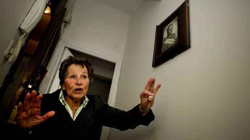 Aurelia Rey, que hoy rechaz� dos viviendas sociales en los barrios de Novo Mesoiro y Eir�s. PACO RODR�GUEZ