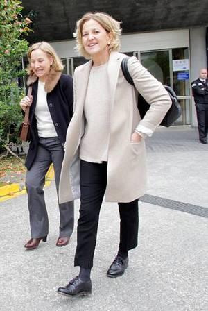 Flora P�rez, a la salida de la cl�nica donde dio a luz su hija Marta Ortega. Paco Rodriguez