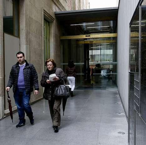 El banco de espa a revive con el traslado de oficinas del for Oficina catastro pontevedra