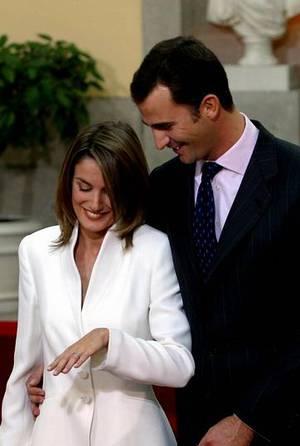 Letizia Ortiz, en una imagen de archivo de 2003, en el anuncio de su compromiso oficial. BENITO ORDO�EZ