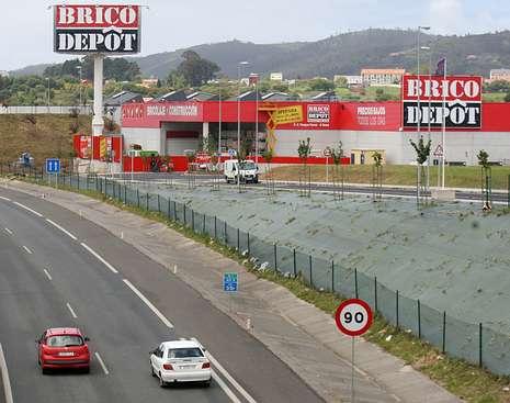 Bricodepot estrena hoy el nuevo parque comercial de ferrol for Bricodepot granada horario