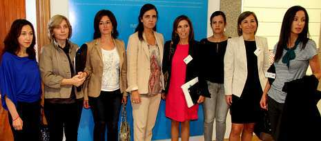 La presidenta del Parlamento, Pilar Rojo, recibió a la directiva de la asociación Executivas de Galicia.