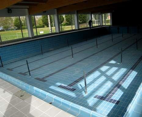 La piscina climatizada de sarria estar abierta en el 2014 for Piscina municipal lugo