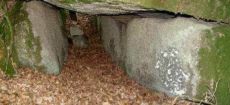 Un detalle de la cámara interior de la estructura megalítica