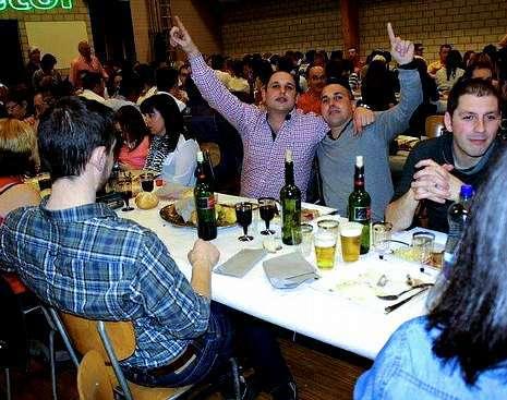 Parte de los asistentes a la fiesta, el sábado por la noche.