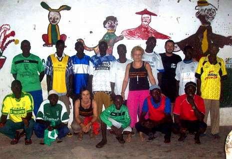 Parte de los artículos donados ya han sido entregados a jóvenes de Guinea-Bisáu por Miradas al Mundo.