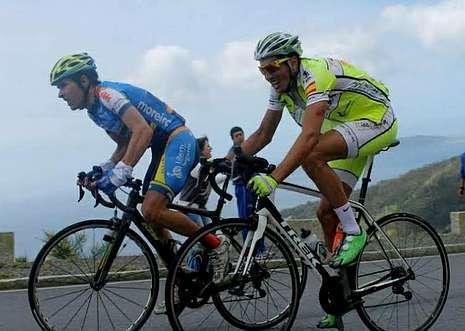 Rodríguez fue profesional del ciclismo hasta la desaparición del Xacobeo, club en el que corría.