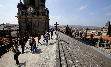 Viaje por los territorios m s exclusivos de la catedral de for Tejados galicia