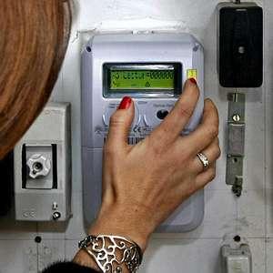 El precio de la luz contadores inteligentes a los que les for Contador de luz precio