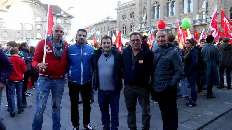 Emigrantes gallegos adscritos a Unia, en la manifestación de Berna.